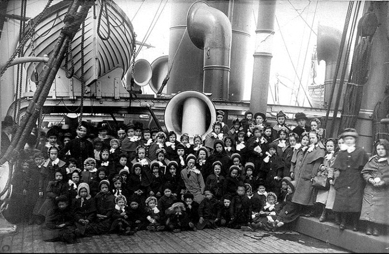 Photo of girls leaving Scotland on the SS Siberian in 1885