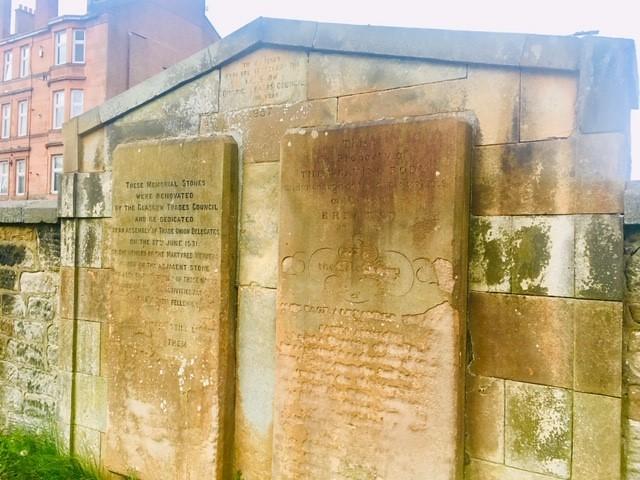 photo of Calton Burial Ground - memorial to weavers